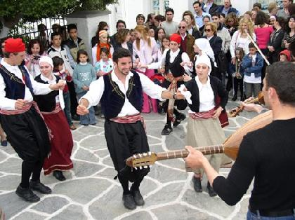 DANCING AT A FESTIVAL IN KYTHNOS