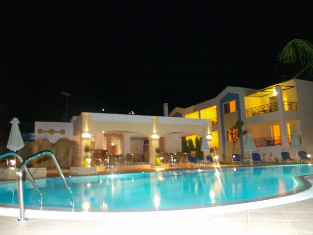 COLONIDES BEACH HOTEL